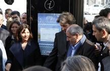Elu dans les abris-bus digitaux Decaux dans Paris